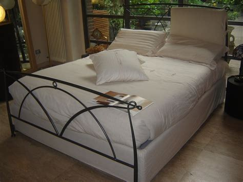 letto contenitore con testata in ferro battuto letto bontempi occasione