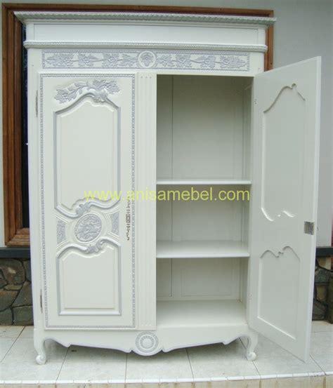 Lemari Baju Warna Putih lemari pakaian modern warna putih anisa mebel jepara