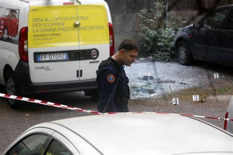 ufficio postale roma 1 roma ordigno rudimentale esplode accanto all ufficio