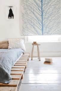 Pallet Bed Frame Diy 6 Wood Pallet Bed Diy Inspirations Poetic Home