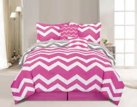 pink bed 10 piece queen chevron pink bed in a bag set