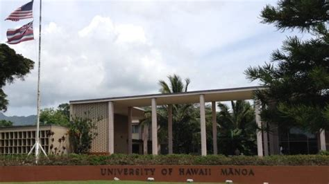 Hawaii Pacific Mba Ranking by Of Hawaii Drops In U S News World Report S
