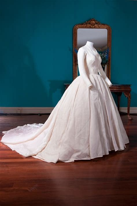 Histroy And Styles Of Wedding Dresses by Wedding Dresses Through History High Cut Wedding Dresses