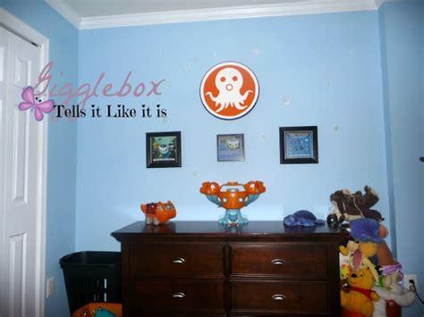 octonauts bedroom wallpaper an octonauts big boy bedroom gigglebox tells it like it is