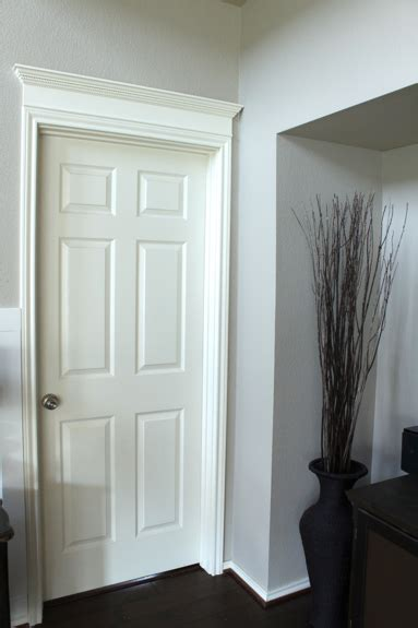 Door Crown Molding by Your Doors Pretty With Molding And A How To