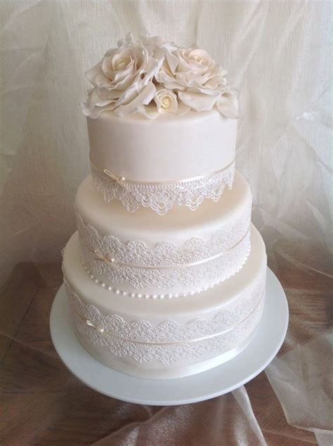 Wedding Cake Edible Lace by Wedding Cake With Edible Lace And Sugar Roses Www