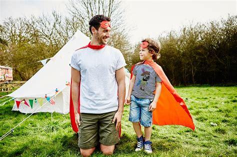 imagenes de un padre con su hijo padre e hijo jugando planes perfectos pinterest amigos