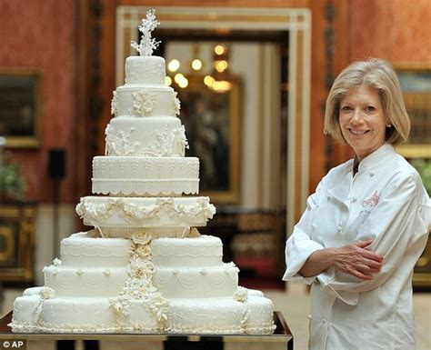 Wedding Cake Kate Middleton by Royal Wedding Cake Kate Middleton Requested 8 Tiers