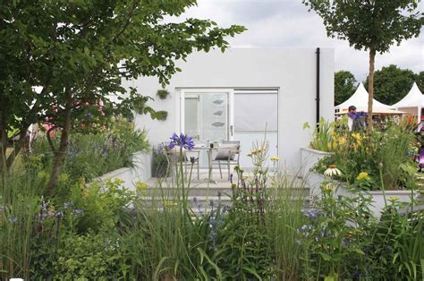 hampton court flower show  urban rain garden