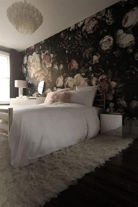wallpaper for womens bedroom best 25 room wallpaper ideas on pinterest kids room