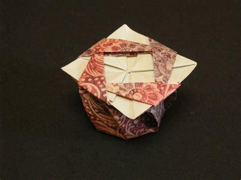 Origami Tato Box - octagonal tato box from a square of carta varese my