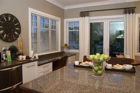 Best Colors For Foyers Kitchen