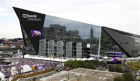 us bank minnesota u s bank stadium closed to cities marathoners before