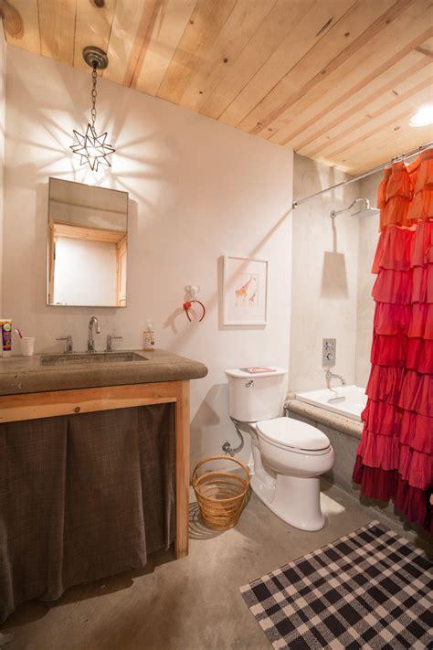 elegant ruffle shower curtain decoration ideas