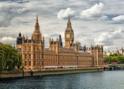 houses of parliament tourist information uk 12 top tourist attractions in london s historic