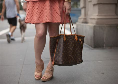 Wedges Lv Sweet eyelet peplum dress letters from the city