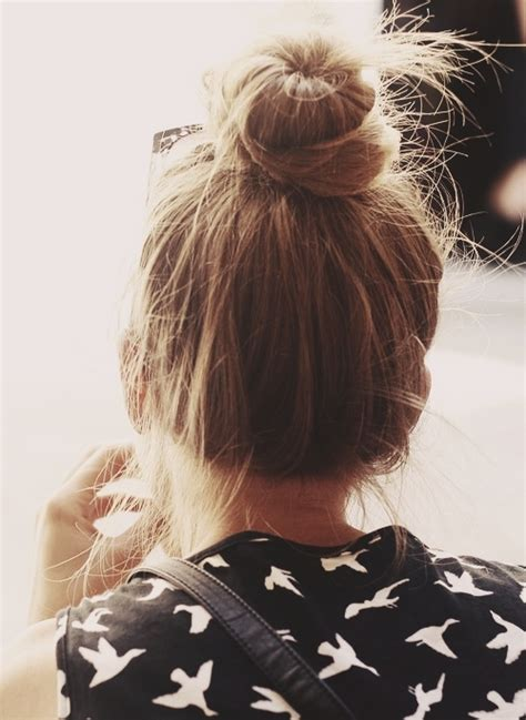 7 Windy and Rainy Day Hairstyles That Are Simply Perfect