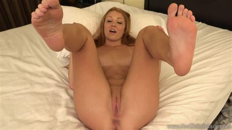 Naked Girl With Sexy Feet Zb Porn