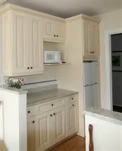 Galley Kitchen White Cabinets White Galley Kitchen White Kitchens Ivory Kitchens Kitchens