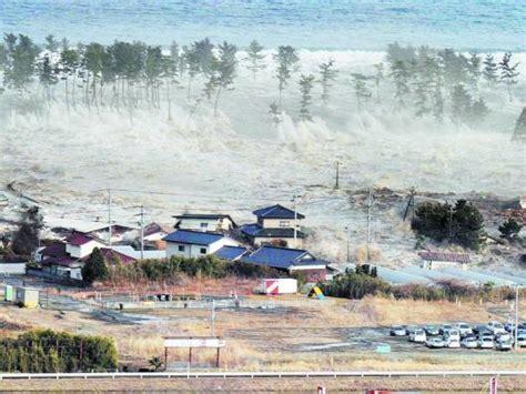 imagenes reales tsunami tailandia miles de desaparecidos en un tsunami devastador