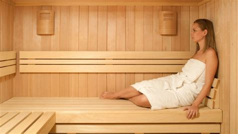 sauna vs steam room benefits 8 amazing and important health benefits of a sauna steam bath reckon talk