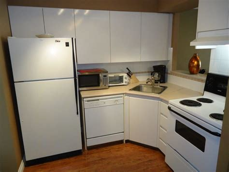 Kitchen Accessories Vancouver Bc Yaletown Vancouver Furnished Apartment Rental At Pacific
