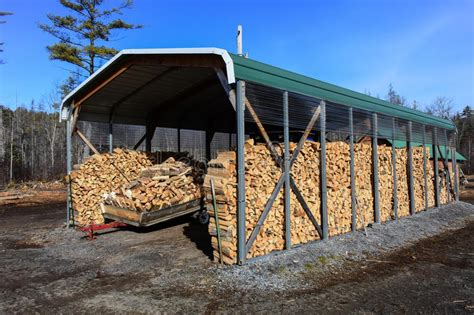 hangar bois occasion hangar de bois de chauffage photo stock image du essence