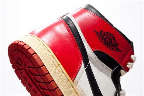 Harga Reebok Vetements prototype asli sneaker air ini dijual dengan harga