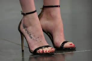 dakota johnson celebrity foot and shoes