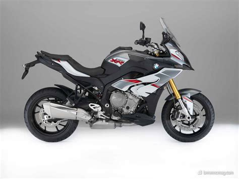 whitegreyred color combo  sxr bmw
