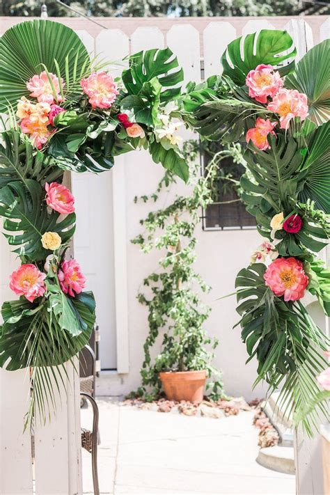 luau themed decorations 25 best ideas about tropical on