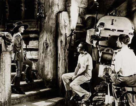 Greta Set milton brown greta garbo and rouben mamoulian on the set