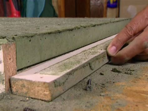 How To Form Concrete Countertops by How To Build A Concrete Countertop How Tos Diy