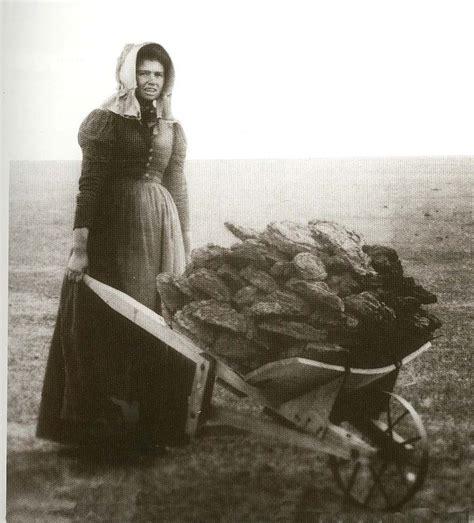 pioneer women in sculpture las vegas new mexico pioneer woman