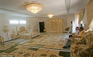 saddam hussein bathroom saddam hussein s former palace is being turned into iraq s