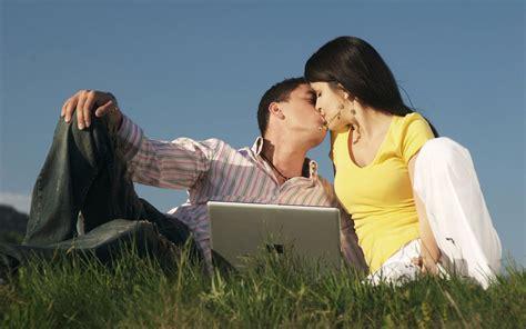 hot couple wallpaper romance wallpapers fair romantic scenery of couple hd love kiss