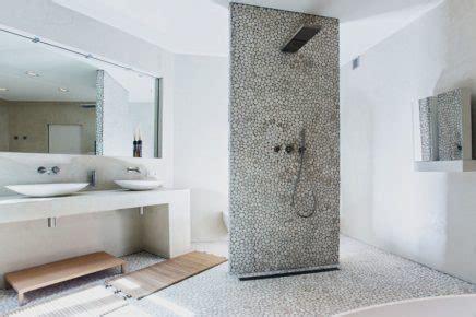mooie natuurlijke badkamer moderne landelijke badkamer met natuurlijke materialen