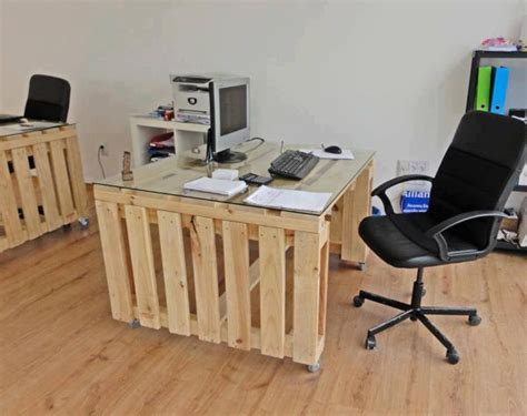Desk Made From Pallets 19 diy pallet desks a way to save money and to customize your home office