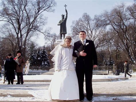 Moldovan Culture Essay by Photo Of The Week Moldovan Newlyweds Global Travel Info