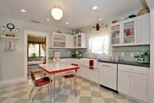 Vintage Looking Kitchen Cabinets 27 Retro Kitchen Designs That Are Back To The Future