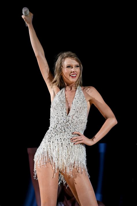 taylor swift concert asia 2018 taylor swift s pre super bowl concert might be her only