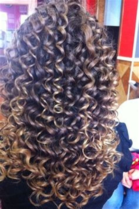 photos of the diffrence between a spiral perm and a nomal perm what is the difference between spiral perm and regular