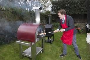 out door entertaining can make any size there great tom parker bowles on how you too can get a slice of the