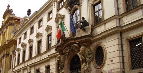consolati italiani all estero come lavorare in ambasciata italiana all estero soldioggi