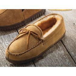bass pro slippers mens iceland ii slippers at bass pro shops
