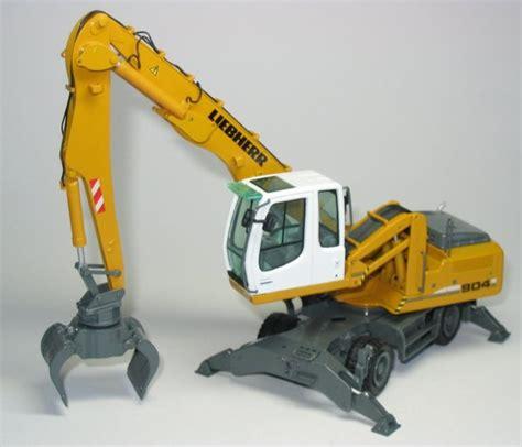 miniature construction world liebherr a904c material handler