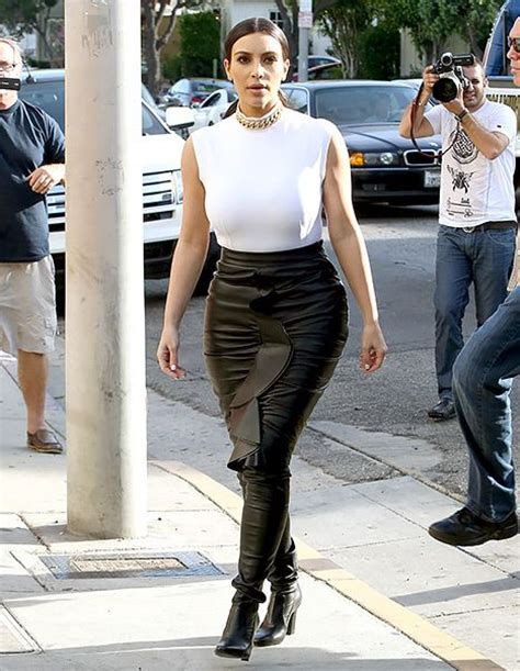 Skirt Lancip Black flaunts in leather pencil skirt shops with