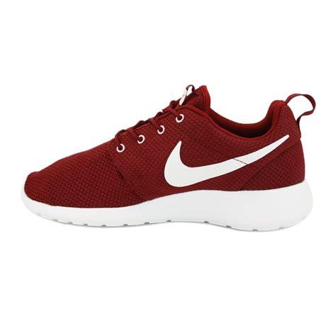 burgundy sneakers nike nike roshe run 511881 610 mens mesh laced trainers burgundy