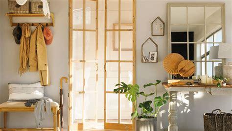 Maravillosa  Armarios Para Recibidores #4: Recibidor-con-puertas-de-cristal-cuarterones-y-marcos-de-madera-00454876_635bdecf_1200x676.jpg