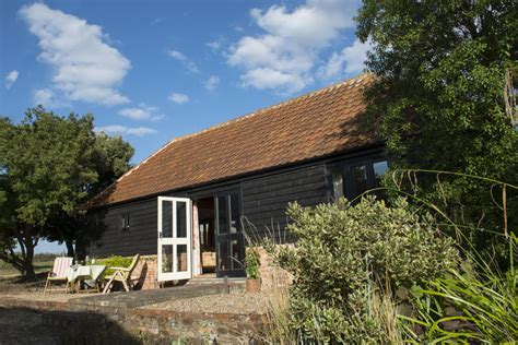 Cottages In Essex With Dogs by 1 Bedroom Cottage In Colchester Essex For Two